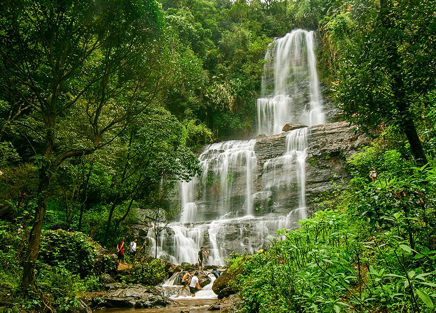 Dabbe-falls-in-bangalore